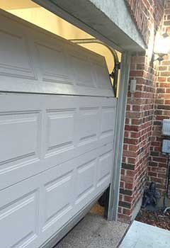 Garage Door Off Track In Moorpark