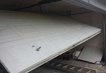 Garage Door Off Track | Moorpark | Simi Valley, CA
